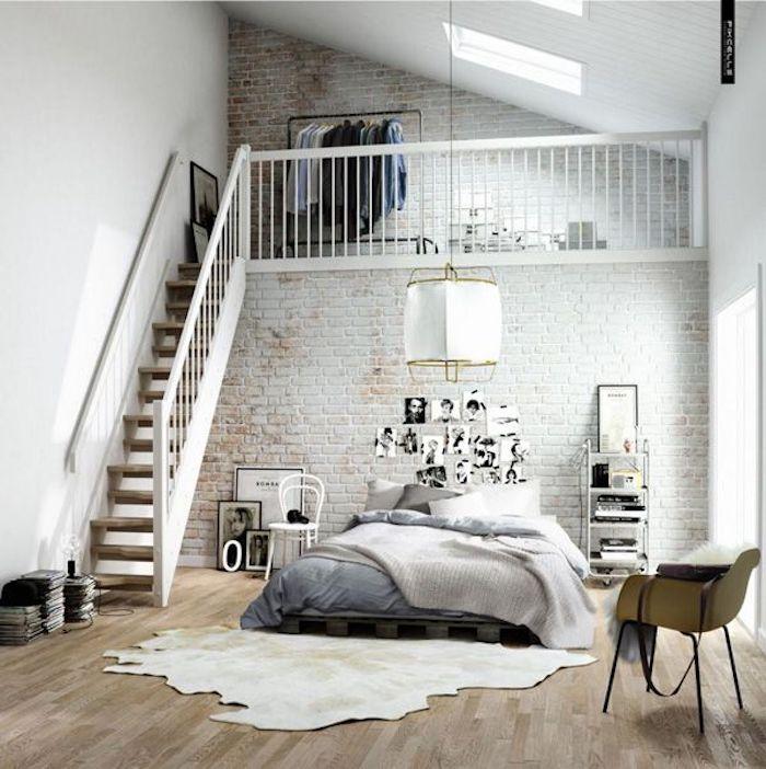 Chambre blanc et gris, peindre une chambre en deux couleurs, deux niveaux dans la chambre à coucher