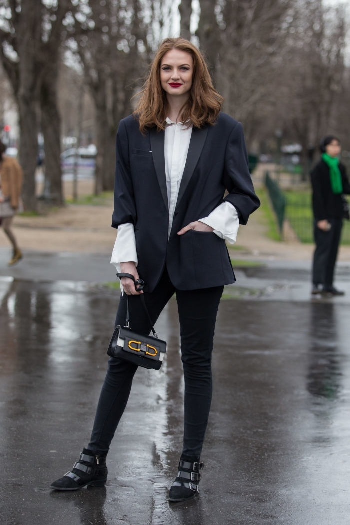 vêtements tendance mode 2019 blazer oversize, modèle de veste smoking femme oversize combiné avec chemise blanche