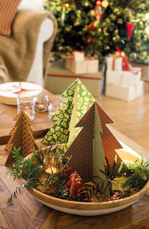 idée de deco de noel a faire soi meme, diy plateau décoratif en forme d'assiette bois rempli de sapins en papier