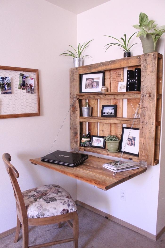 construction meuble en palette facile, décorer un coin de travail avec meuble fait main en palette à design suspendu