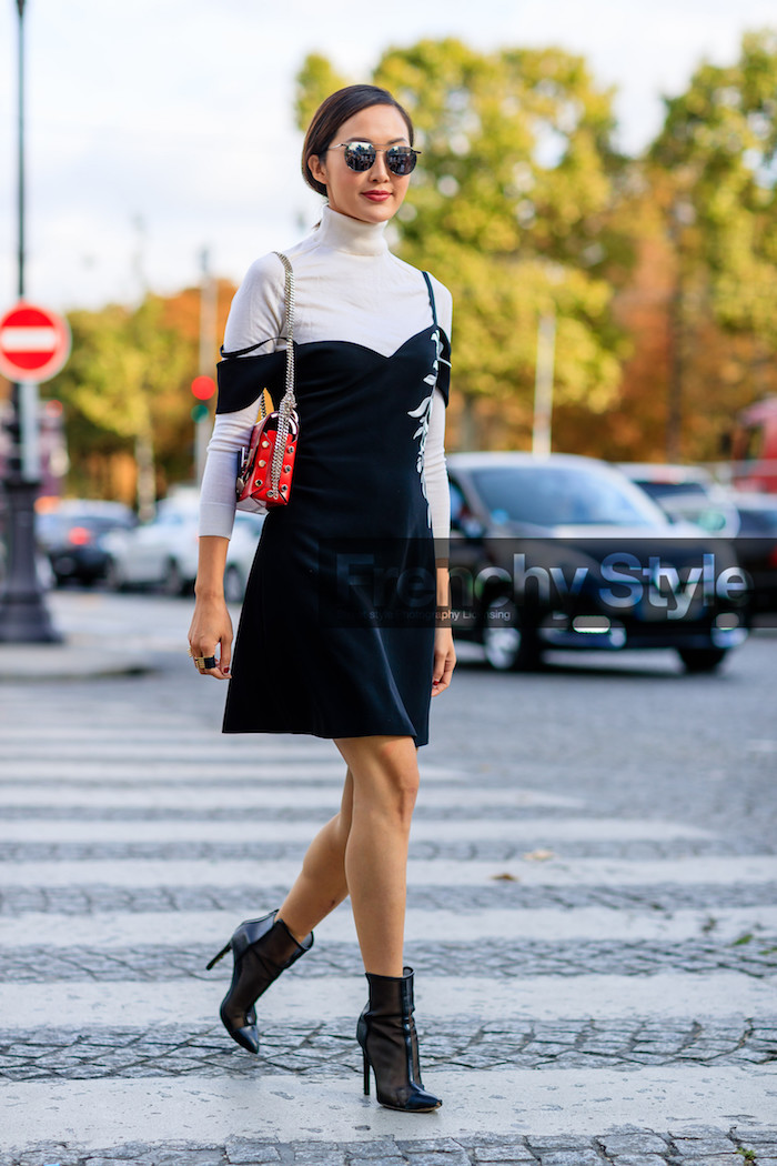 Robe et pull blanc col roulé, photo Chriselle Lim tenue avec bottines, tenue de sport, comment s'habiller swag tendance 2020
