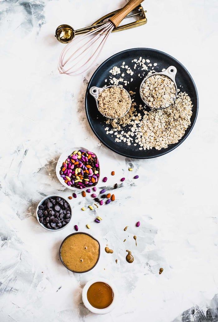 recette cookies moelleux aux flacons d avoine, pepites de chocolat, beurre d amande et sirop d erable