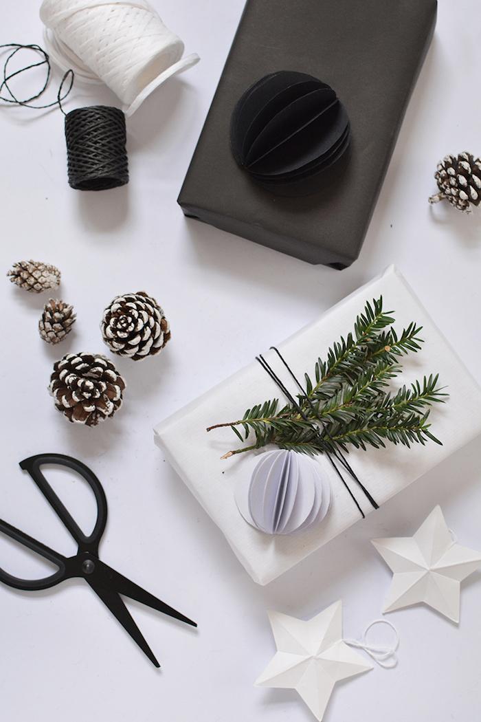 Comment emballer un cadeau blanc et bleu idée cool, cadeau écolo, idée cadeau zéro déchet inspiration