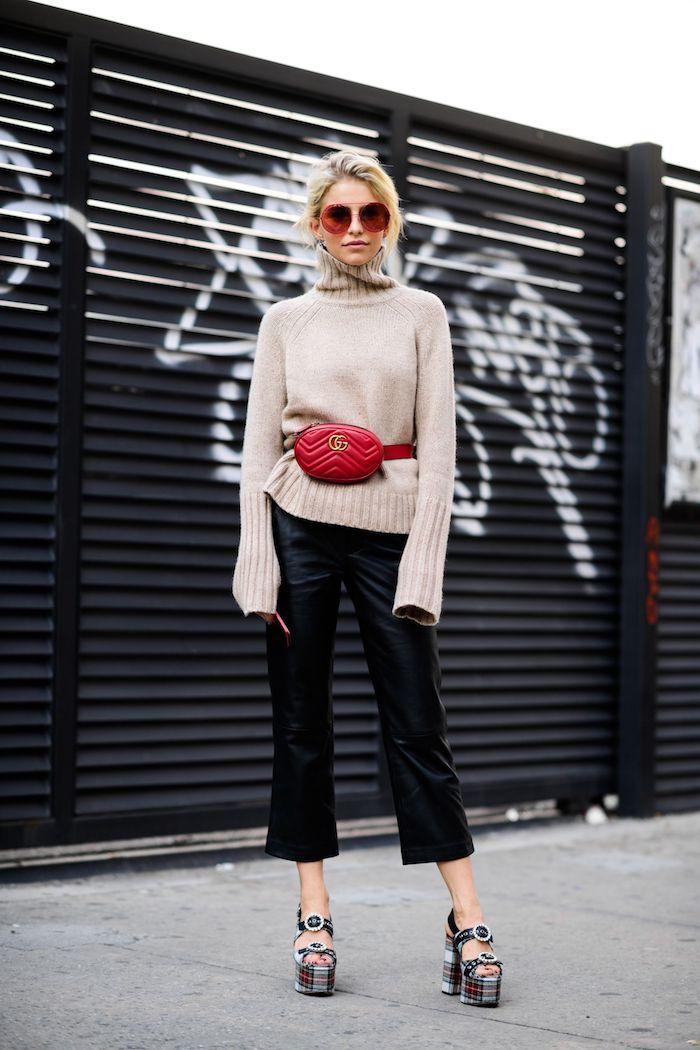 pantalon noir évasé et pull grande taille, vetement streetwear, ensemble sport femme, look tendance avec lunettes de soleil rondes