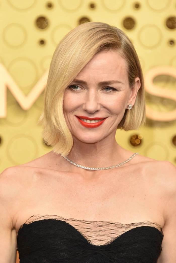 Les femmes célèbres et leur maquillage et coupe courte femme 2020, coupe de cheveux court blonde femme