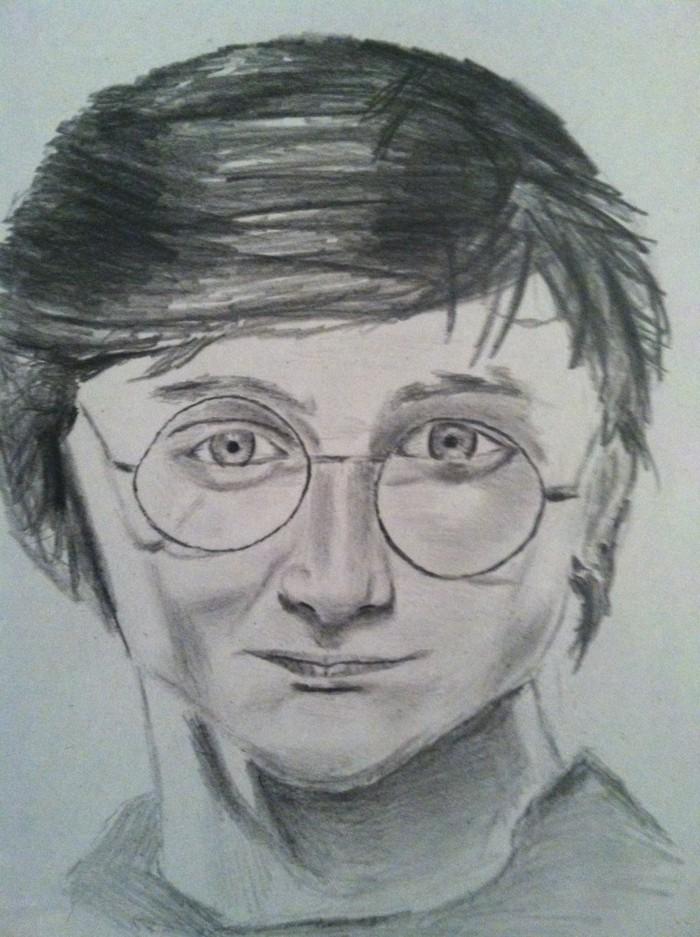 apprendre à dessiner son personnage de film préféré, idée de dessin crayon papier sur le thème Harry Potter