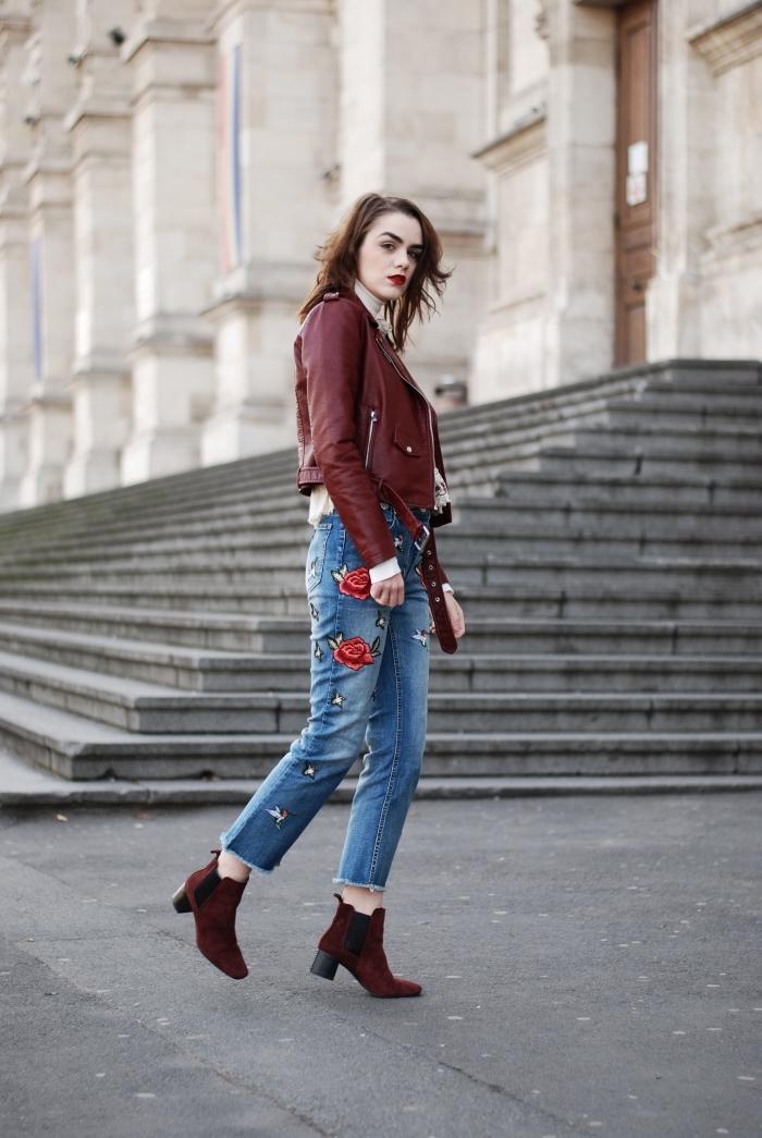 burgundy couleur tendance mode automne hiver 2019 femme, idée pull de marque femme nude avec veste burgundy
