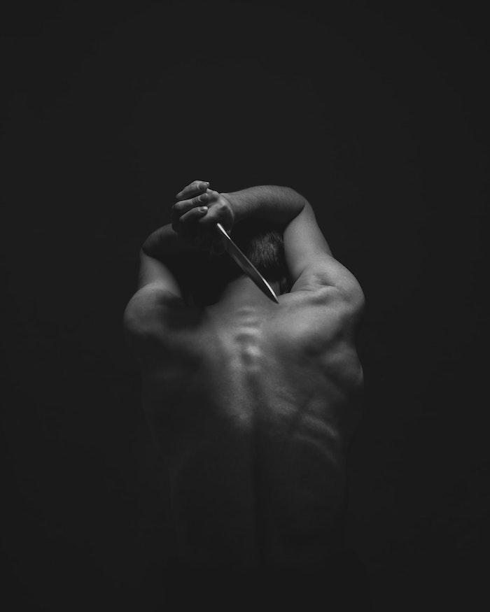 Couteau derriere le dos, ideeimage fond ecran nike, le plus beaux fond d'ecran noir et blanc