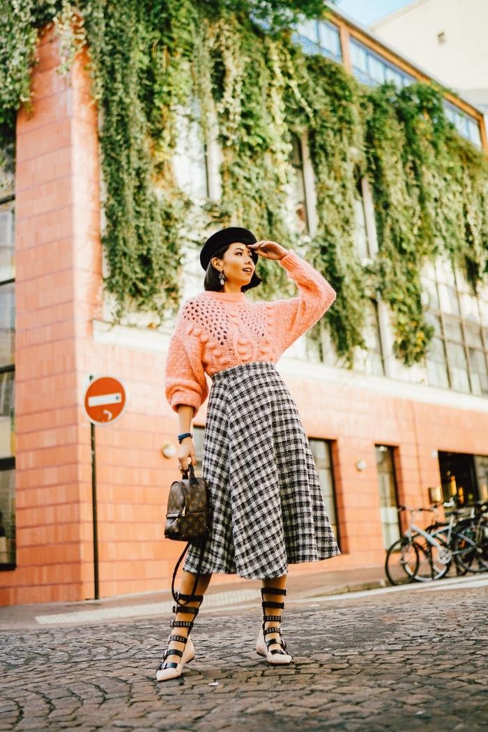 exemple comment bien s'habiller en automne et hiver avec un pull torsadé femme combiné avec pull over tendance