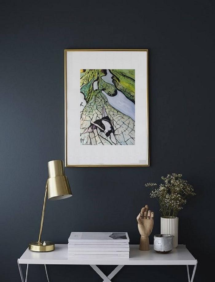quelle couleur pour une chambre moderne, design chambre à coucher aux murs foncés avec objets métalliques