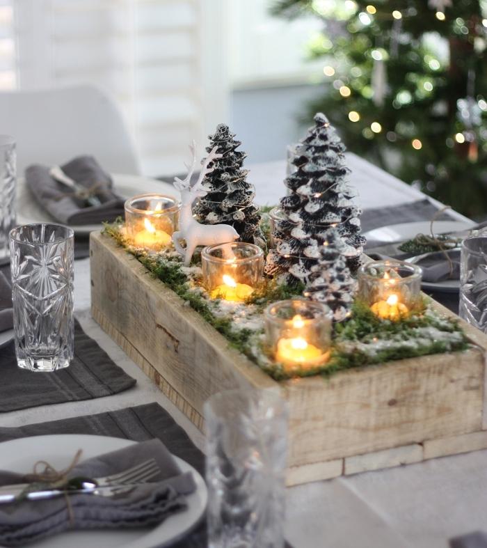 activité manuelle facile avec caisse en bois rempli de mousse et bougies, deco de noel a faire soi meme avec recup