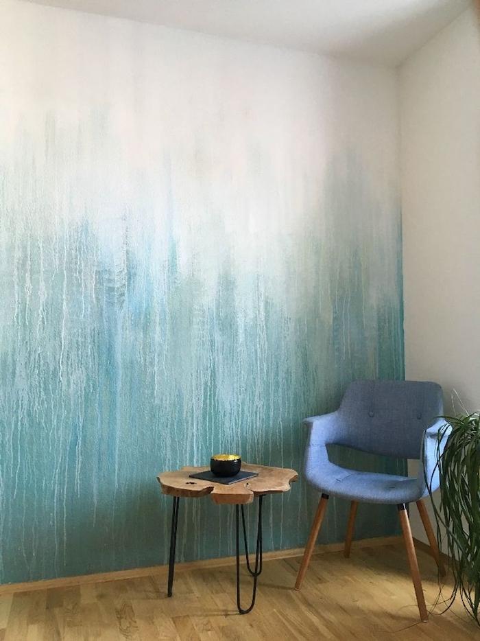 Original moyen de peindre les murs dans la maison, idée deco peinture chambre, quelle couleur associer au bleu, chaise bleu vintage