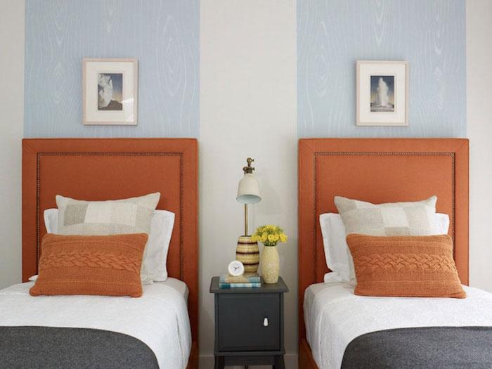Deux lits dans une chambre double orange tete de lit, comment disposer 2 couleurs dans une chambre, peinture chambre adulte