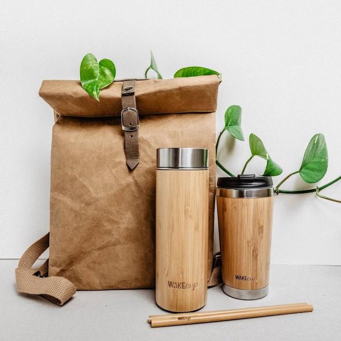 Bois gobelet et sac pour faire les cours, idee cadeau fete des meres, cadeau eco responsable