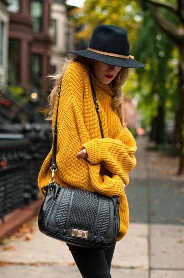 idée comment assortir les couleurs de ses vêtements, look femme d'hiver en gros pull hiver femme de nuance cheddar foncé