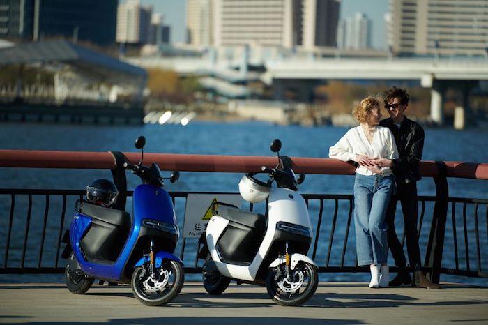 Le fabricant chinois de trottinettes électriques Segway annonce le Ninebot eScooter et la mobylette eMoped