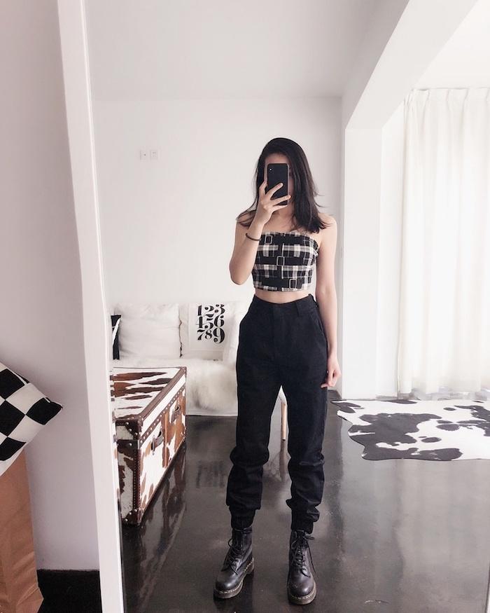 Top court carré et pantalon cargo, vetement americain, look tendance, beau look streetwear