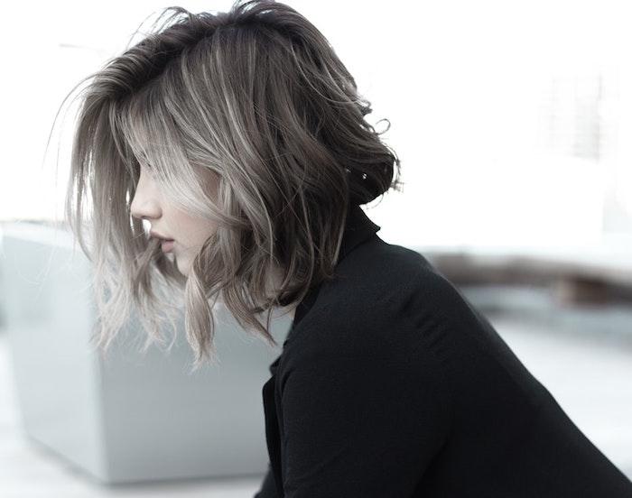 Coupe mi longue pour femme, idée modele coiffure femme, coupe de cheveux mi long femme,