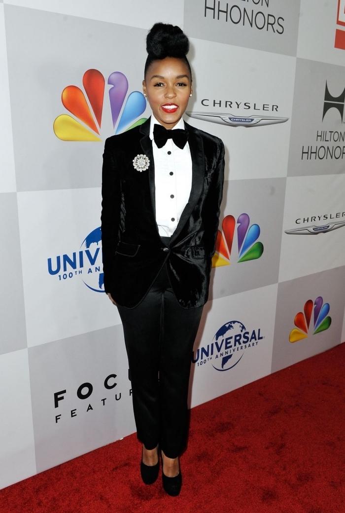 exemple comment porter un smoking femme noir avec chemise blanche et papillon, idée tenue classe femme en costume 2 pièces