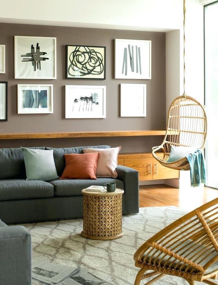 Tapis géométrique beige, canapé gris, chaise balançoire, idée peinture chambre, quelle couleur pour une chambre originale