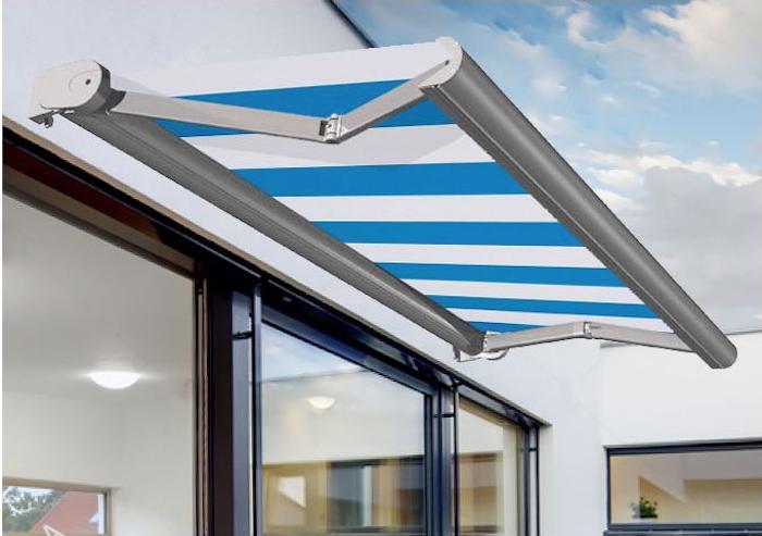 Installer un store banne coffre sur-mesure sur sa terrasse pour profiter des journées estivale à l'abris