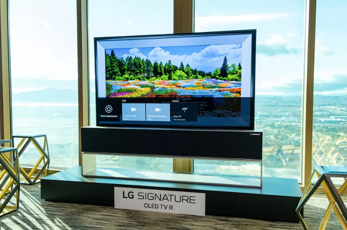 La nouvelle version de la TV enroulable de LG se placera au plafond et non au sol comme présenté précédemment