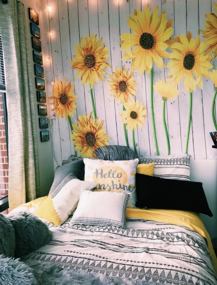 exemple de tete de lit originale en version papier peint dans une chambre ado, déco petite pièce avec accessoires jaunes