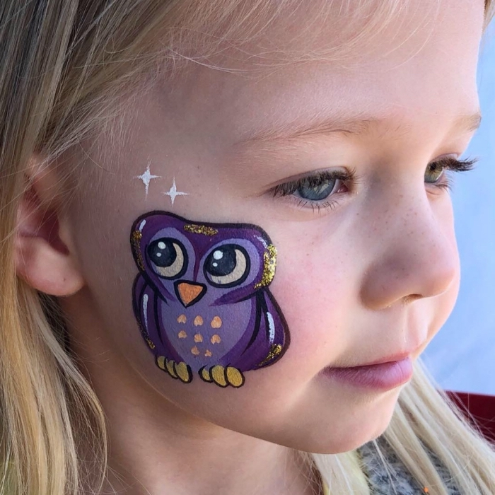 que dessiner avec une peinture visage, idée de maquillage carnaval avec peinture faciale façon mini hibou violet
