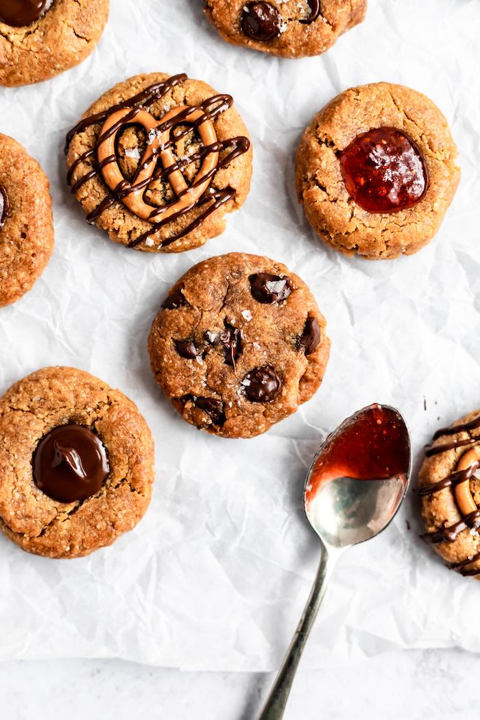 collation healthy en biscuits cookies sans gluten avec farine d amande, beurre de cacahuete pour votre gouter healthy
