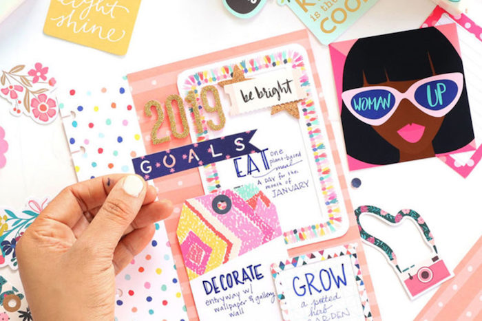 Féminine tableau avec objectifs en rose et doré, créer un tableau de visualisation simple, motivation tableau simple