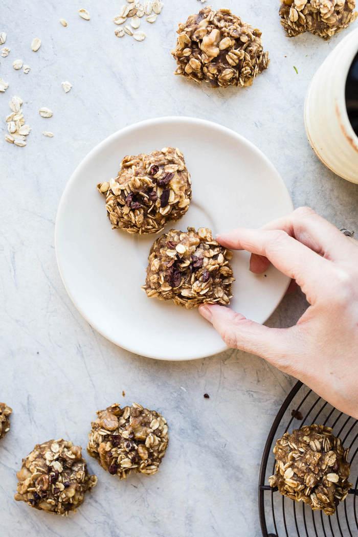 recette cookies healthy maison aux flocons d avoine et pépites de chocolat, cannelle, bababe, raisins, alimentation saine