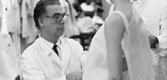 Balenciaga revient à la Haute Couture, 52 ans après la fermeture des ateliers de son fondateur Cristobal