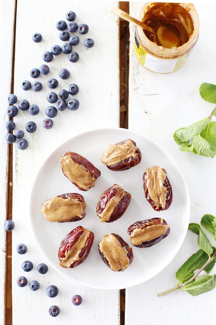 recette regime de gouter simple, bouchées de dattes farcies de beurre de cacahuete, alimentation saine