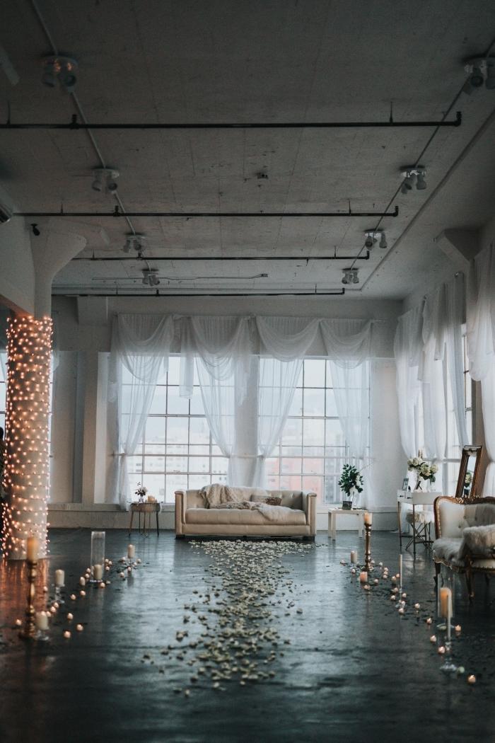 idée comment organiser une surprise romantique avec une décoration douce en guirlande led bougies et fleurs