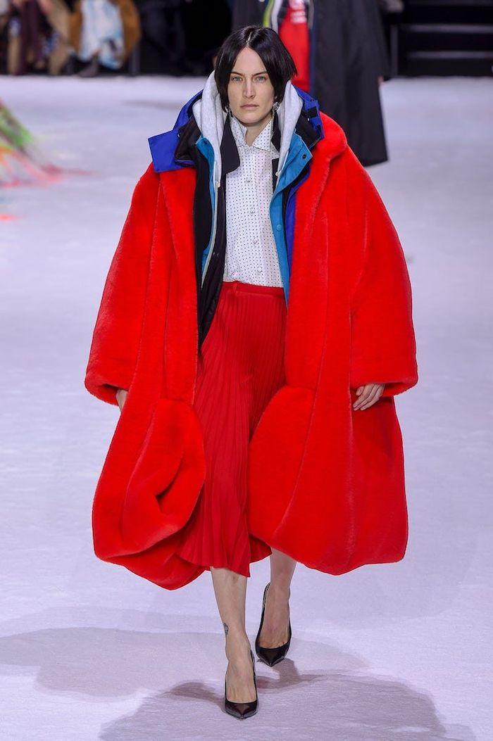 La marque d'origine espagnole Balenciaga s'est imposée comme un ponte de l'industrie de la mode de luxe
