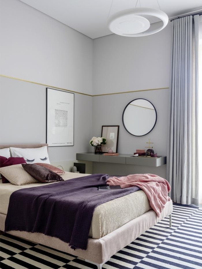 idée de couleur peinture chambre moderne aux murs neutres en gris clair décorée avec accents en rose et violet