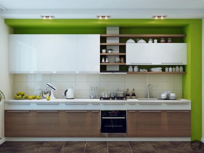 idée agencement de cuisine en longueur, déco de cuisine blanche avec meubles en bois foncé et peinture vert anis