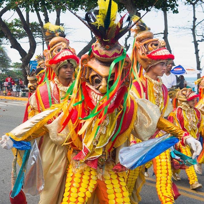 Costumes en commun pour mardi gras en tenerife, déguisement carnaval femme, inspiration costume