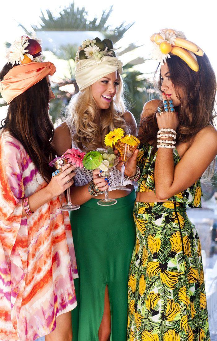 Jupe longue et top court, couronne de fleurs et fishou, costume carnava pour femme, les plus belles vetements