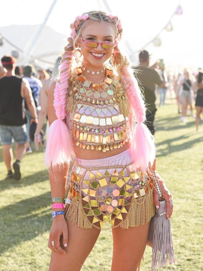 Tenue femme moderne, festival de coachella, deguisement carnaval fille, idée pour le carnaval en nice