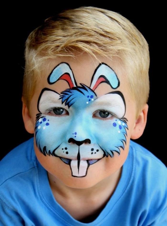 quel motifs dessiner sur le visage d'un petit garçon pour un carnaval, masque de carnaval en version peinture faciale