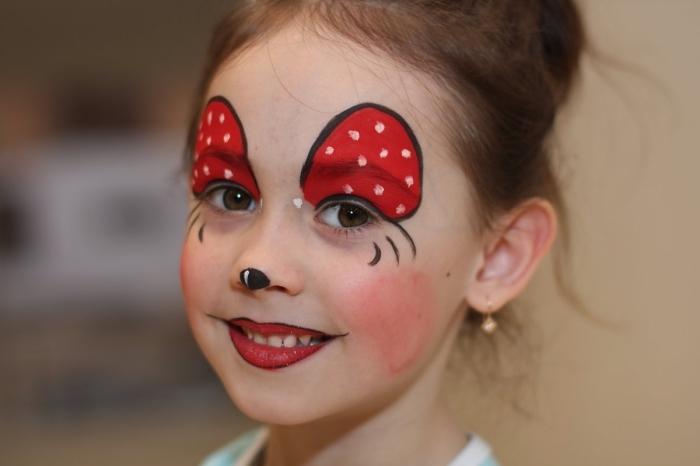 quel desguisement carnaval pour petite fille de dernière minute, maquillage Minie Mouse sans peinture pour visage
