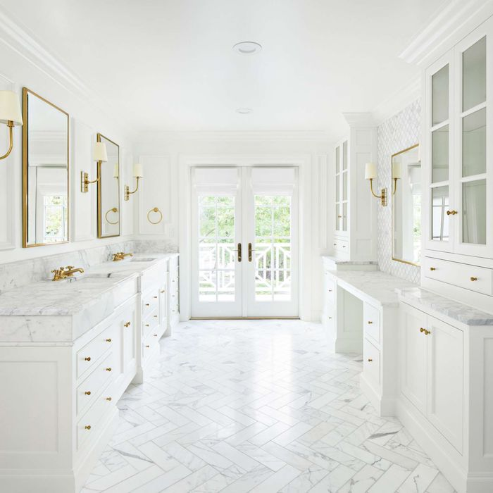 Grand espace avec meubles amenagement salle de bain blanche, inspiration salle de bain luxe