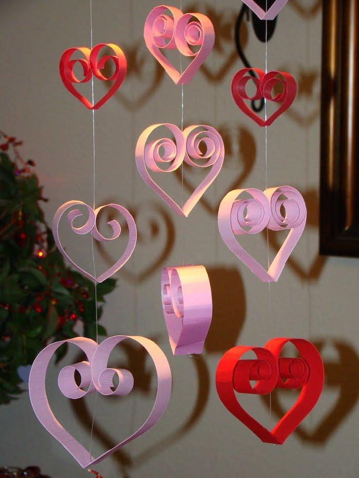 Coeurs quilling déco st valentin guirlande diy en papier, coeur saint valentin, une belle déco amoureux
