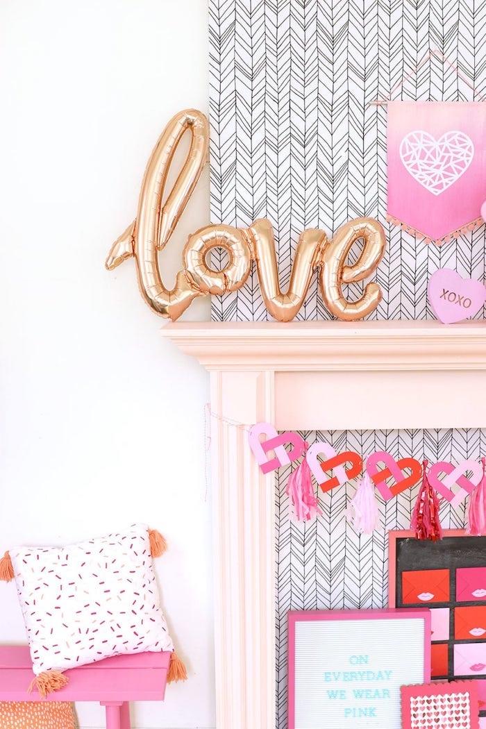 Amour déco soirée saint valentin entre amies, décoration saint valentin rose et doré adorable