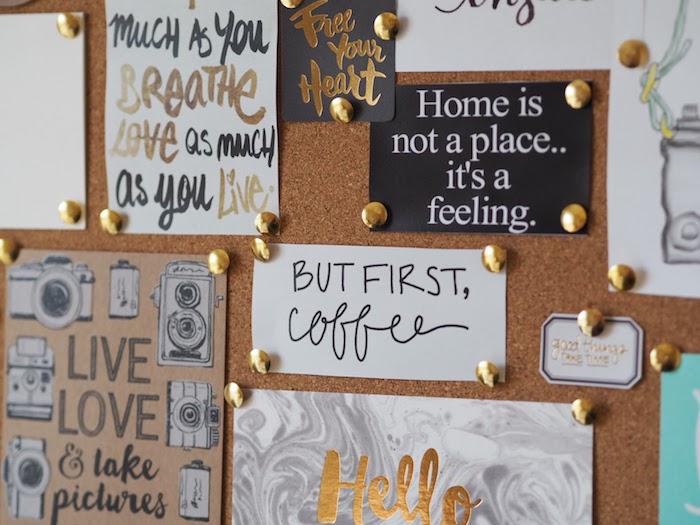 Tableau de visualisation en liège pleine de citations pour se sentir bien, couleurs blanc noir et doré, bonne idée comment booster son humeur