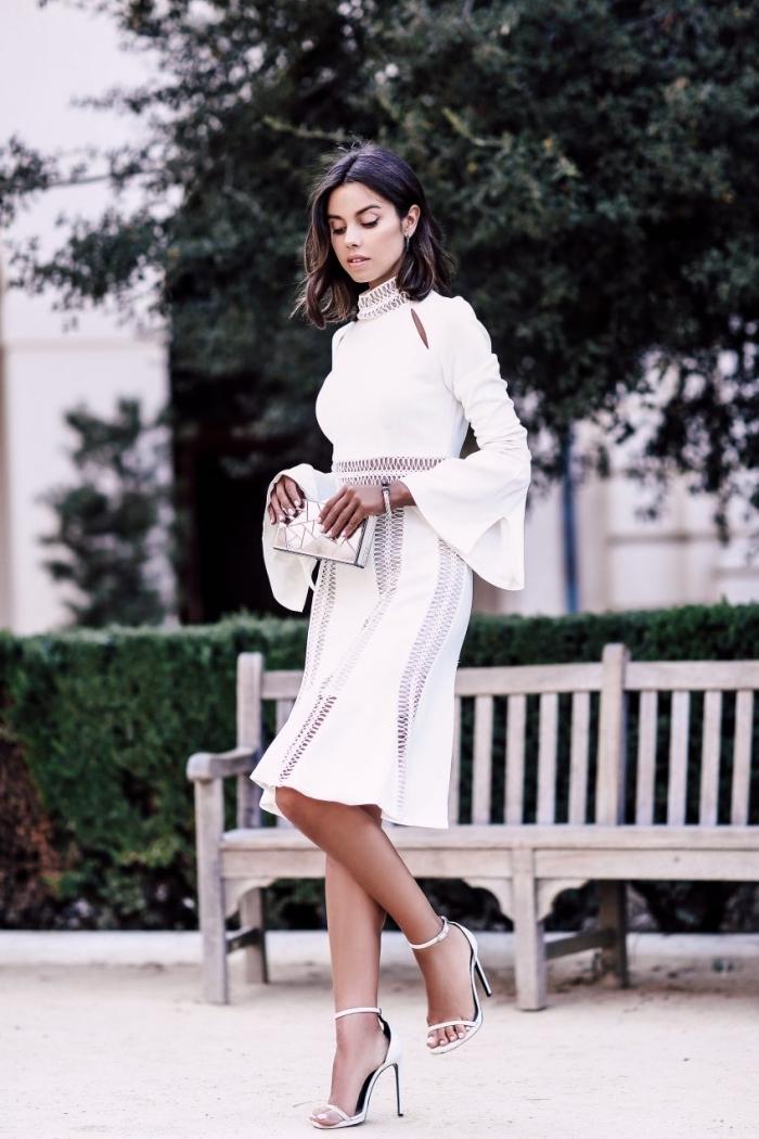 comment bien s'habiller en robe blanche boheme, tenue femme élégante en robe genoux avec manches longues