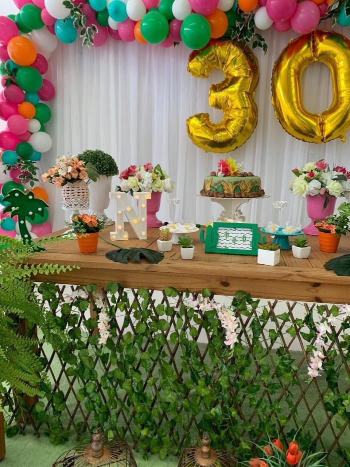 idée anniversaire 30 ans sur thème tropical, idée quel style de déco choisir pour un party d'anniversaire en été