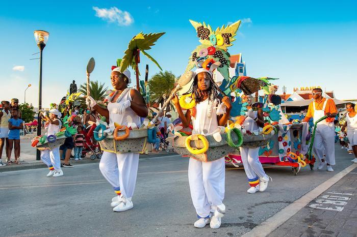 Les caribes et leur célébration de mardi gras, deguisement carnaval fille, idée déguisement carnaval