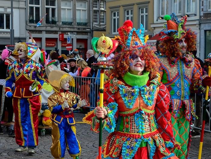 Bouffon costume france carnaval, fou du roi déguisement carnaval, idée de costume de carnaval
